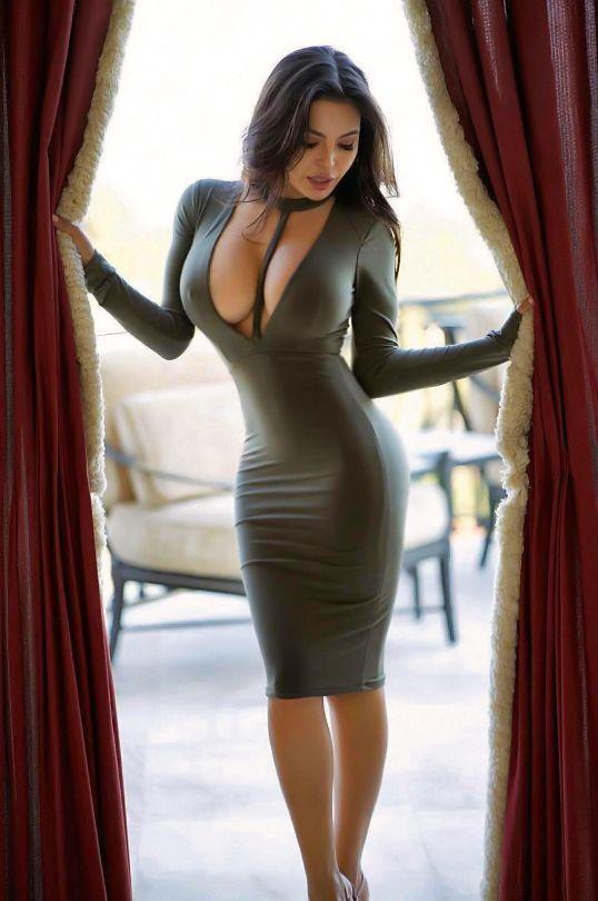 Hot latina babe Natasha Vega uncovering her gorgeous curves in the bath  557993
