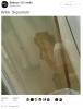 tuvalette resim çekilen kızlar