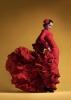 kırmızı elbiseli bayan