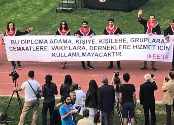 2019 odtü mezuniyet töreni pankartları