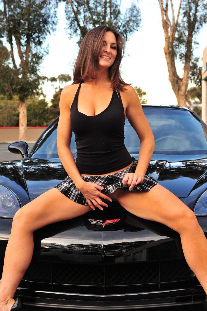 arabaya veren kızlar