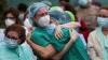 pfizer in aşısı vurulan sağlıkçının fenalaşması