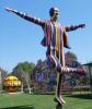 chp li belediyenin yaptığı renkli atatürk heykeli