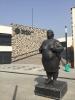 izmir balıkçılar meydanına dikilen ilginç heykel