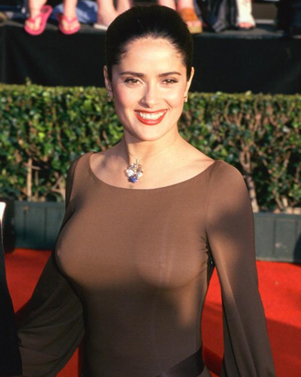 salma-hayek-tits-nipple