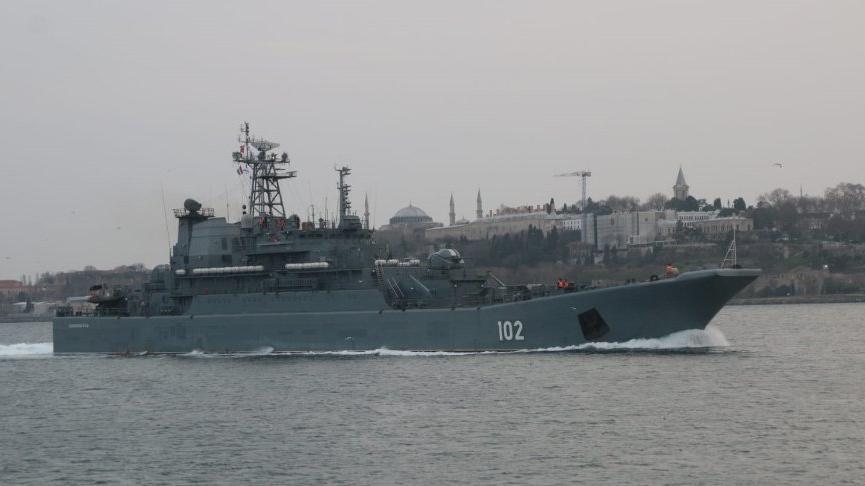 rus savaş gemilerinin boğazdan geçmesi