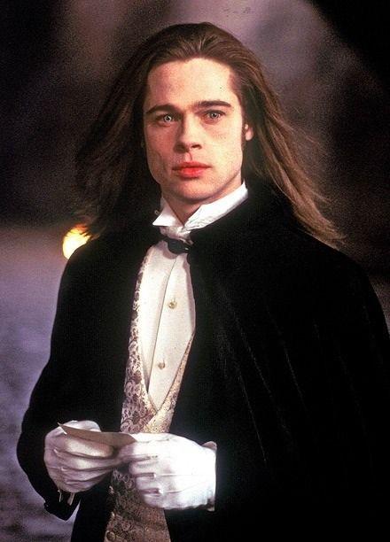 sizi ısırmak isteyen yakışıklı vampir