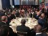bm de yenilen yemekte liderlerin göt göte oturması