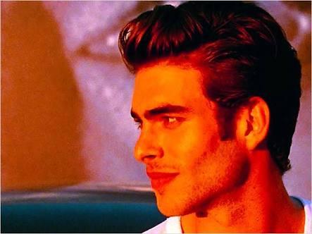 şu ana kadar görülmüş en yakışıklı erkek
