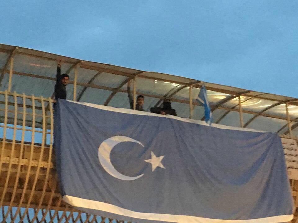 kerkük merkezde bayrak diken türkmenler