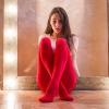 kırmızı giyen kadın çekiciliği