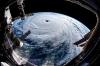 iss den anlık tayfun görüntüsü