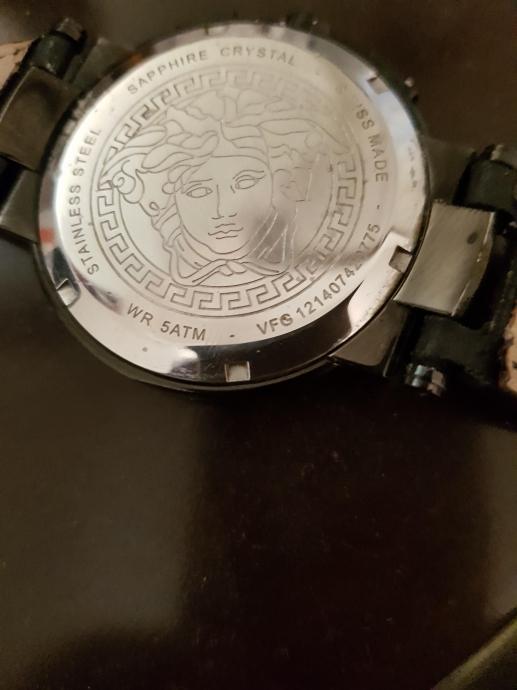 bu devirde kol saati kullanan insan varoştur