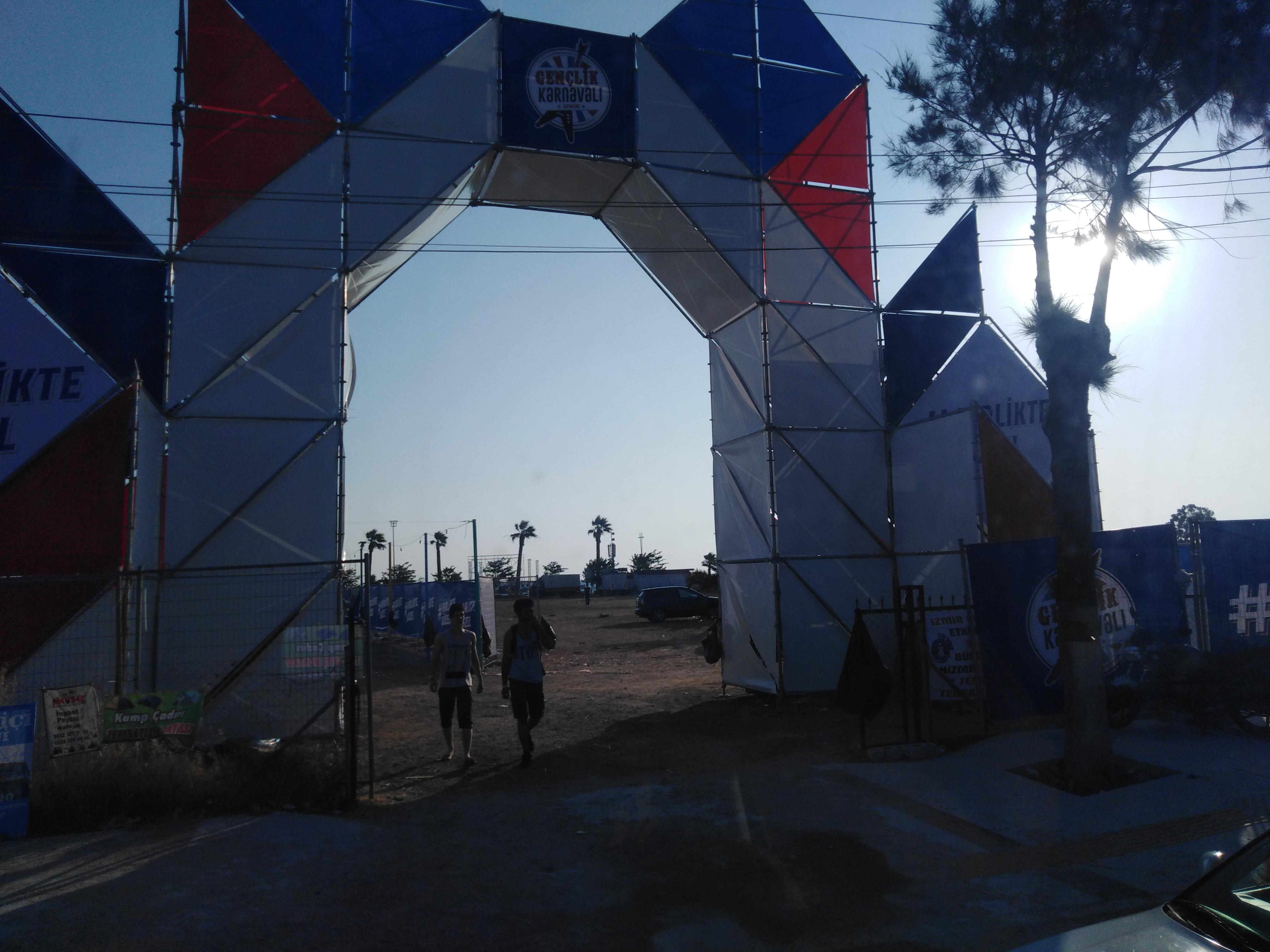 urla kum denizi gençlik festivali