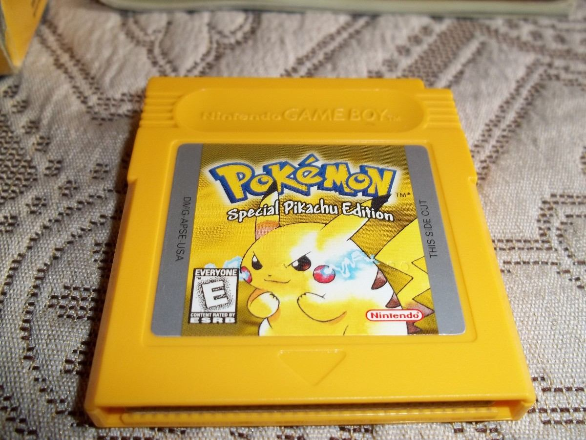 Gameboy color and pokemon yellow - Pokemon Gameboy Oyunlar