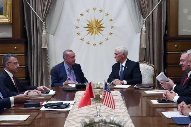 erdoğan ve mark pence in ilginç fotoğrafı